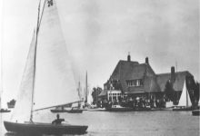 Photo of De oorsprong van 75 jaar SKS skûtsjesilen ligt in Dokkum